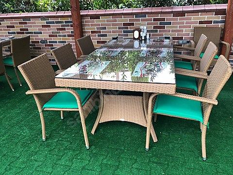 Yaza merhaba, haydi bahçeye :) işte size ucuza yuvarlak bahçe masası
